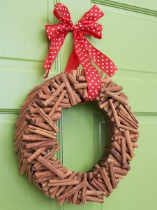 Cinnamon sticks adds holiday scent